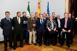 Griñán acuerda con el sector hortofrutícola unidad ante el acuerdo entre UE y Marruecos