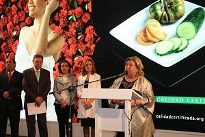 Clara Aguilera anuncia la inminente inscripción de la IGP del tomate La Cañada en el registro comunitario