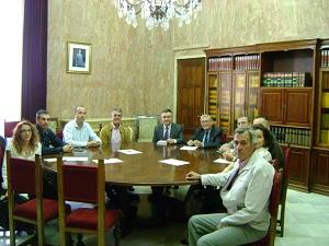 El subdelegado del Gobierno se reúne con los representantes de Hortyfruta para abordar la realidad del campo almeriense