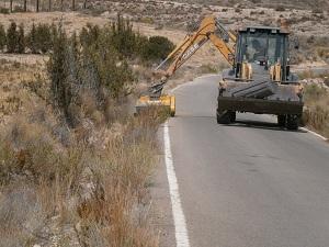 El Ayuntamiento de Almería invierte 60.000 euros  en la mejora de dos caminos rurales