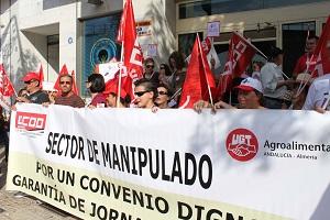 Los trabajadores y trabajadoras del manipulado unen sus voces para exigir convenio digno