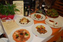 Las 'I Jornadas Gastronómicas del Tomate Raf' se han inaugurado hoy 'con honores' en el Restaurante La Tinaja de Níjar