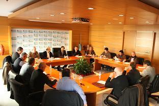 Una quincena de ayuntamientos de Almería y Granada se dan cita en el 'I Foro Intercomarcal de Municipios Hortofrutícolas'