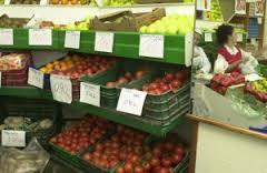 El precio del tomate para una ensalada aumenta un 942% del campo a la mesa