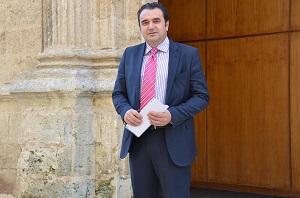 """El PP lamenta que Víboras haya venido una vez más a Almería con """"el maletín vacío de compromisos"""""""