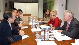 Elena Víboras se reúne con Aproa y Coexphal para analizar la situación de las organizaciones de productores hortofrutícolas