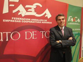 El presidente del PP andaluz se reúne con Faeca