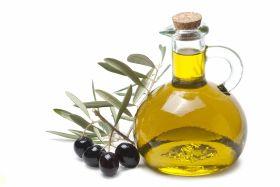 La Junta pide que el aceite y las aceitunas entren en los programas de distribución de alimentos gratuitos