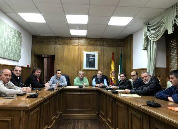 El delegado de Agricultura  da a conocer al alcalde de Dalías las ayudas de la Junta dentro del Plan de Desarrollo Rural 2014-20