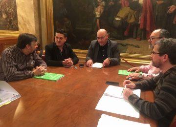 Unión de Uniones presenta a los grupos políticos sus enmiendas a la Ley de Sequía
