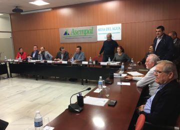 Ciudadanos recoge las reivindicaciones hídricas de la Mesa del Agua de Almería