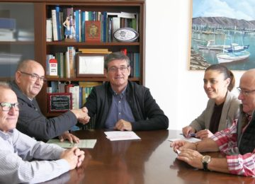 Campoejido dona al Ayuntamiento de Adra más de 3.000 euros para políticas de igualdad