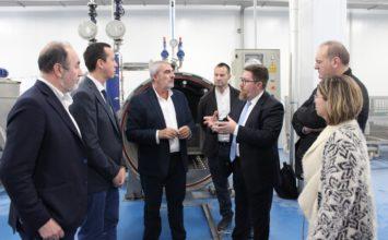 Sánchez Haro ensalza la apuesta por la innovación de Los Guiraos y Peregrín, empresas punteras del Levante almeriense