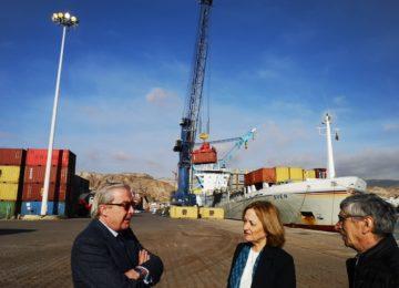 Empresas de Almería, Jaén y Granada usan el muelle de contenedores del Puerto almeriense