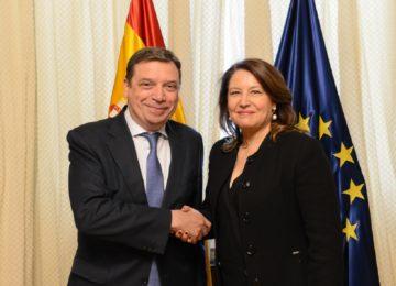 El ministro Luis Planas se reúne con la consejera de Agricultura de Andalucía, Carmen Crespo