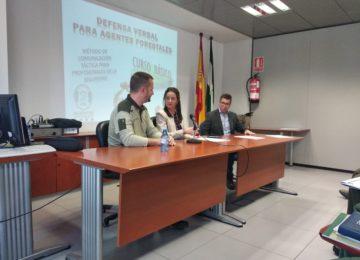 La Junta forma a agentes de medio ambiente en la resolución de conflictos y redacción de denuncias
