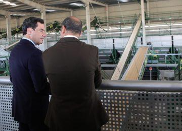 El presidente de Junta muestra su apoyo al aceite de oliva en Jaén