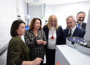 Inaugurado el laboratorio de analítica agroalimentaria Tropiclab en Motril