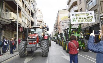 Éxito absoluto de la manifestación del campo en granada para exigir precios justos para agricultores y ganaderos