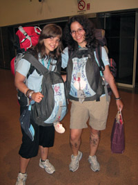 Paula y Elvira preparadas para la aventura iberica