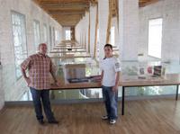 José A. Díaz y A. Martín, en el altillo del secadero