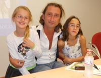 Antonio con sus dos sobrinas Sara y Sofía