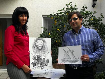 Adela Calvo y José Soto muestran algunas de las ilustraciones