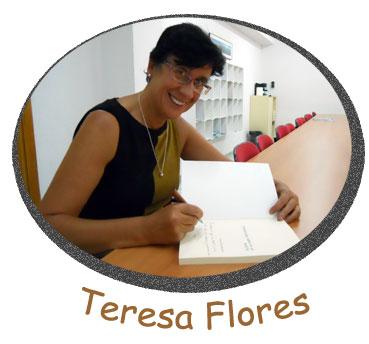 La autora dedica un ejemplar de su libro