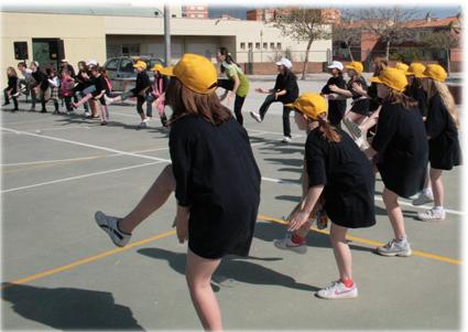 Los juegos sirven para fomentar las relaciones entre el alumnado de ambos centros