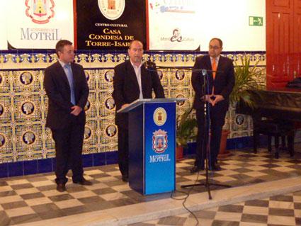 Manuel Ruiz interviene en el acto inaugural de la muestra