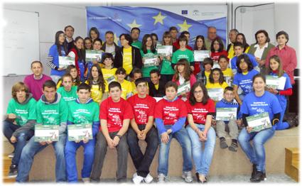 Grupo de alumnos y profesores participantes en la II Edición del concurso Andalucia se mueve con Europa