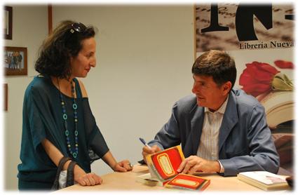 Alicia Choin y el editor, Manuel Pimentel
