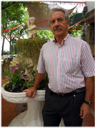 José Luis reconoce haber trabajado en el aula con recortes de prensa