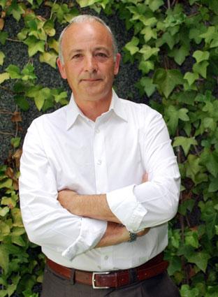 Ángel Bañuelos es especialista en la historia de las localidades alpujarreñas de Nieles y Cástaras / A. A.
