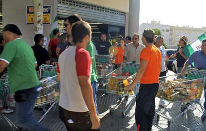 La imagen del asalto al supermercado han dado la vuelta al mundo