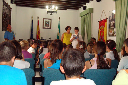 Los alumnos leyeron capítulos del ibro Escuchando a la abuela