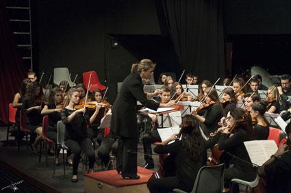 Inmaculada Ferro al frente de la Orquesta del Conservatorio/ TATIANA CARRETERO
