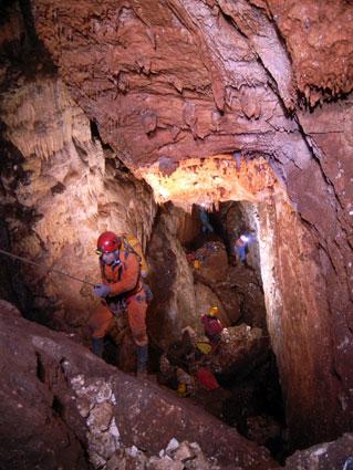 Otras de las cavidades exploradas para el volumen VI de Granada Subterránea