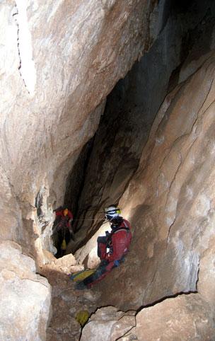 El GEG ha exploradio ya más de 900 cavidades en Granada