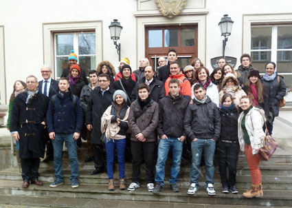 Con los socios europeos a las puertas del ayuntamiento de Bad Neustadt