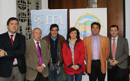 Autoridades y representantes del centro anfitrión