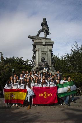 El himno de Andalucía sonó junto al monumento de Magallanes