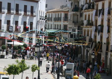 Ambiente en la plaza de los Remedios con motivo del Día de la Cruz, 2010