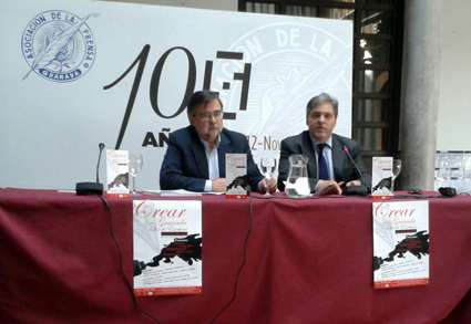 José Calvo Poyato y César Girón en el momento de la presentación