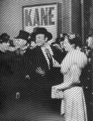 Montaje con una imagen de Orson Welles en una escena de 'Ciudadano Kane'