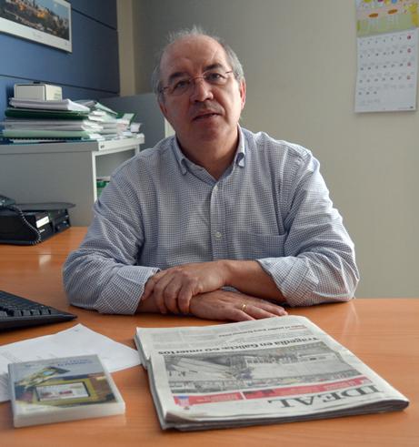 """Rafael Mesa coordinó la publicación y DVD """"De la noticia al lector: El periódico"""" (1997)"""