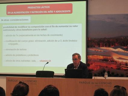 Charla del Dr. Dalmau en Granada