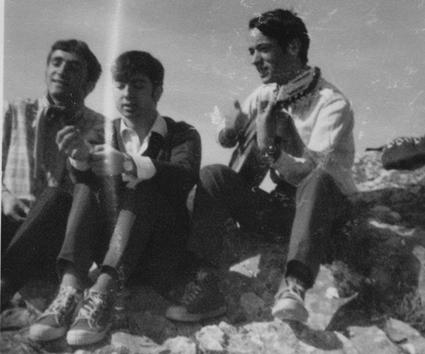 En Sierra Elvira con dos compañeros de Magisterio, año 1966