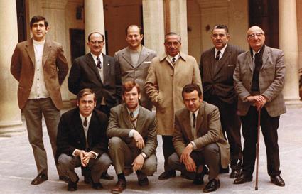 Enrique Mateos (primero por la izquierda) en la época en qué ocurrieron las anécdotas que narra en este escrito