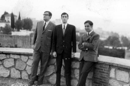 Paco García Espínola junto a Manuel Ramírez Burgos y con Manuel Titos, en el Mirador de San Cristóbal